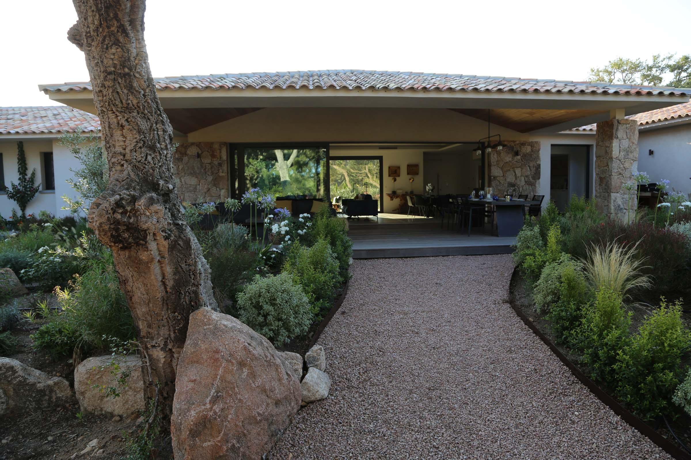 Jardin paysagé Villa Saint Cyprien Porto-Vecchio en location